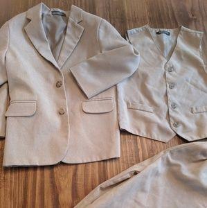 Boys 3 Piece Suit Outfit Size 5 6 Tan EUC